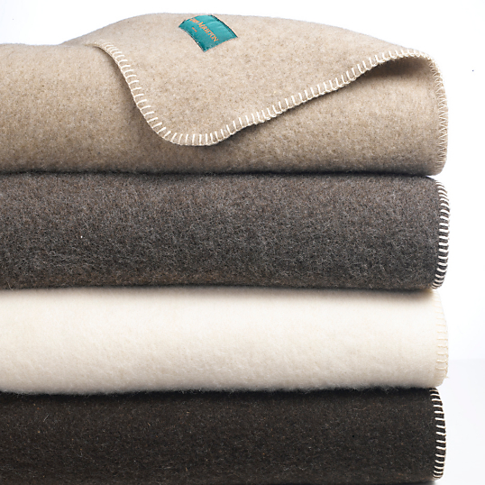 couverture laine sans teinture aubrac ourson. Black Bedroom Furniture Sets. Home Design Ideas
