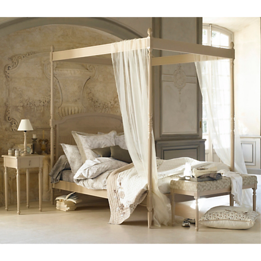 lit baldaquin romantique maison design. Black Bedroom Furniture Sets. Home Design Ideas