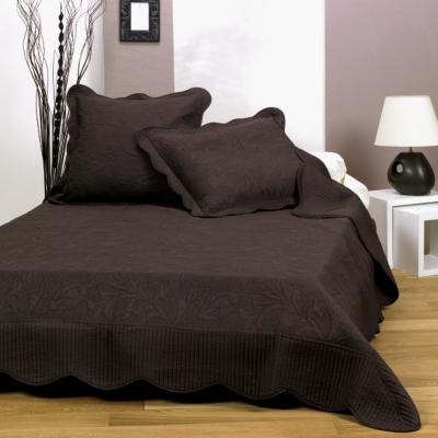 plaids et couvre lits 16. Black Bedroom Furniture Sets. Home Design Ideas
