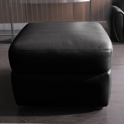 pouf 2. Black Bedroom Furniture Sets. Home Design Ideas