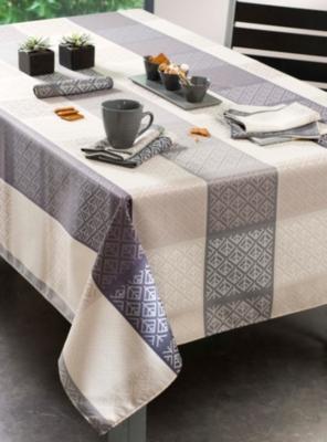 nappes et serviettes 48. Black Bedroom Furniture Sets. Home Design Ideas