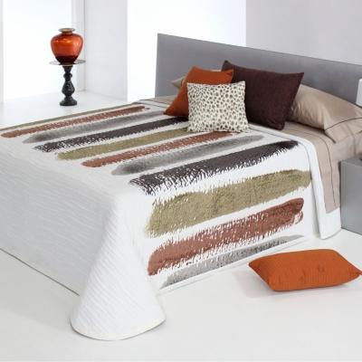 Couvre-lit Charlotte, 280 x 270 cm Composition : 89 % polyester, 11 %... par LeGuide.com Publicité