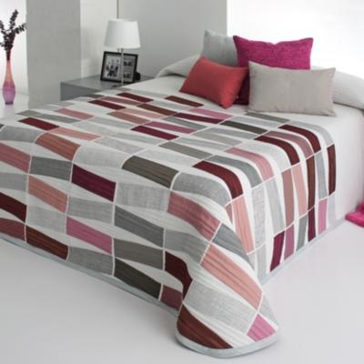 Couvre-lit Zélie, 280 x 270 cm Enveloppe : 94 % polyester, 6 % coton.... par LeGuide.com Publicité