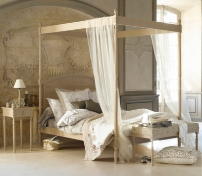 Lit baldaquin Romance 140x190 cm teinté blanc usé pour 2195€
