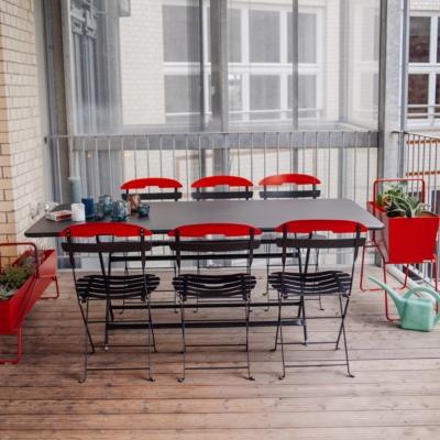 Table caractère 90 x 190 + 6 chaises La  Môme FERMOB