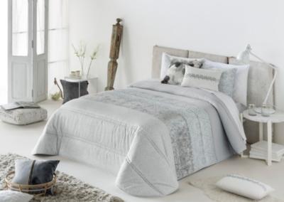 boutis alina et ses housses de coussin couvre lits. Black Bedroom Furniture Sets. Home Design Ideas