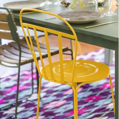 Lot de 2 chaises empilables FERMOB LOUVRE, coloris au choix