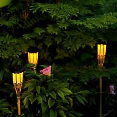 Torche solaire en bambou