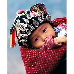 Bébé Miao, Province du Guizhou, Chine, Keren SU, affiche 24x30 cm