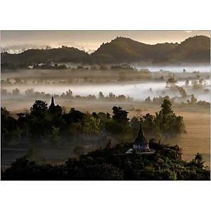 Mrauk U, ancienne capitale du royaume Rakhine, Birmanie Maurice SUBERVIE, affiche 50x70 cm
