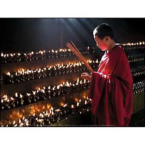 Moine bouddhiste, Monastère de Jokhang, Tibet, A. CAVALLI, affiche 30x40 cm