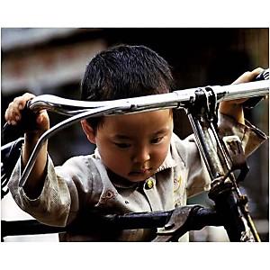 Petit garçon à vélo, Chine, Philippe BODY, affiche 24x30 cm