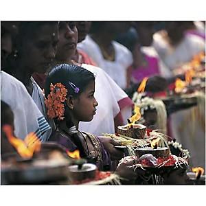 Offrande à la déesse Devi, Kerala, Inde, Indien , Christophe BOISVIEUX, affiche 24x30 cm