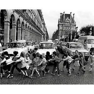 Les tabliers de la rue de Rivoli, Paris, 1978, Robert DOISNEAU (1912-1994), affiche 24x30 cm