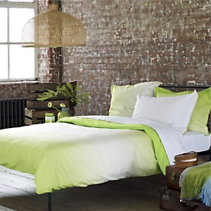 Taie satin Saraille DESIGNERS GUILD,  Lime