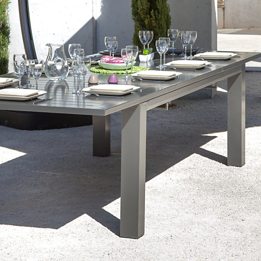 Table oceo aurore 8 12 personnes for Salon de jardin metal colore