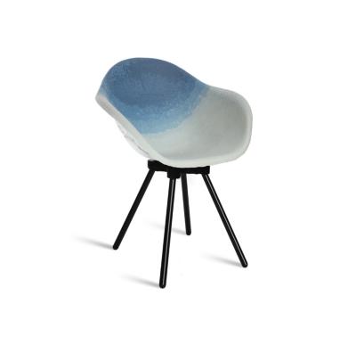 Chaise Gravêne Maximum bleu modèle unique avec pieds en métal